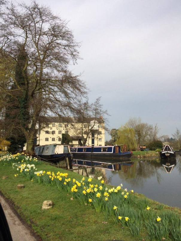 Parking information for Annie's Launch home mooring at Parndon Mill